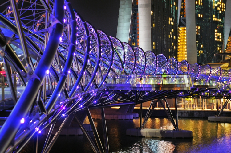 5 Take a stroll at the Helix Bridge